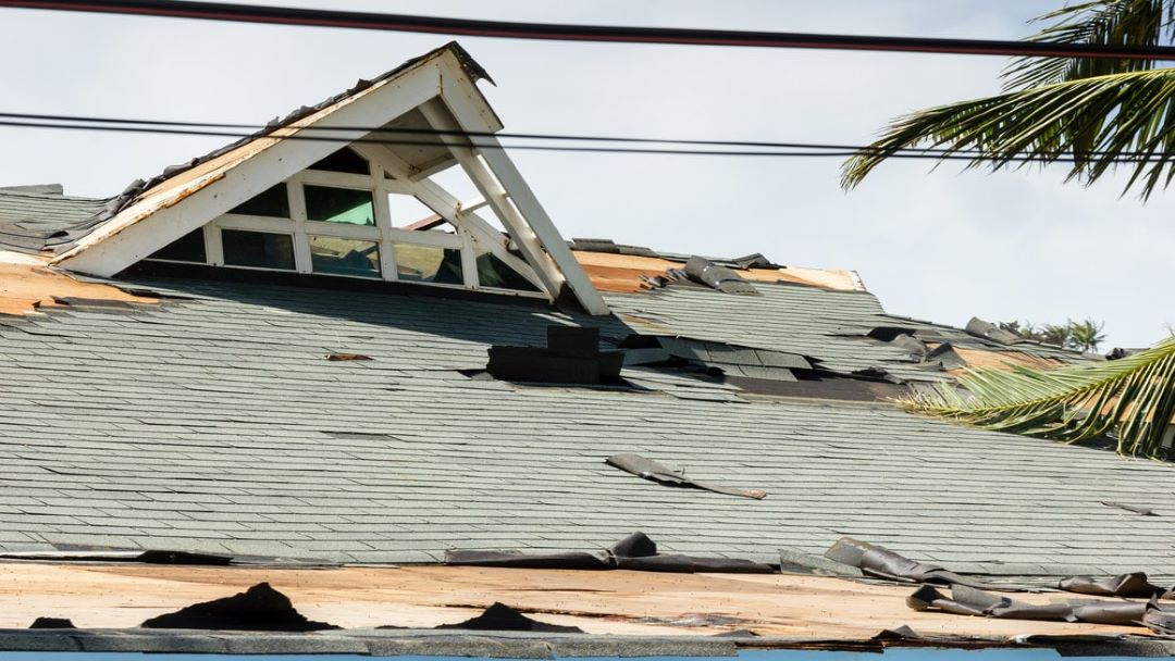 a_damage_roof_after_a_storm_-_roofing_contractor_pensacola_-_4201_auckland_rd_milton_fl_32571.jpg