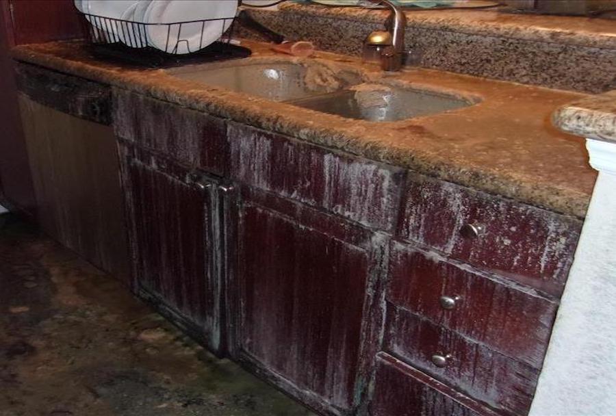 kitchen_that_has_olded_due_to_leak__servpro_of_west_pensacola_1101_s._fairfield_dr_pensacola__fl._32506_850-469-1160_https-::bit.ly:36jv0ta__.jpg