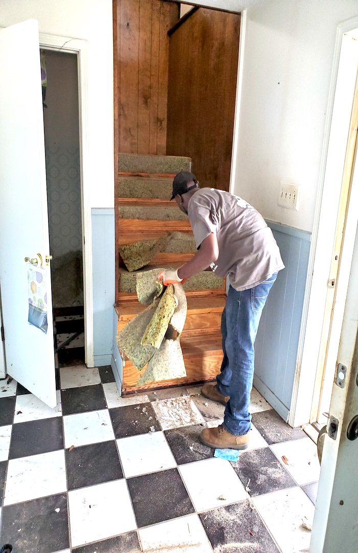 demo__junk_removal__something_old_salvage_(s.o.s.)_6505_north_w_st.___pensacola__fl_32505_850-758-9900_https-::g.page:sosjunk?share.jpg