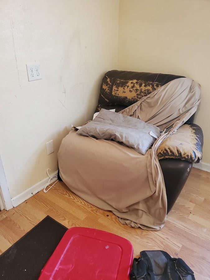 furniture_hauling__something_old_salvage_(s.o.s.)_6505_north_w_st.___pensacola__fl_32505_850-758-9900_https-::www.somethingoldsalvage.com.jpg